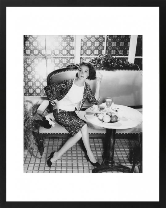 Elegant Fashion Setting I 70s